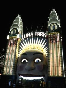 Luna Park / Yuji Sekine